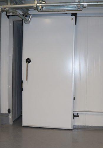 Двері холодильні відкатні нід монорельс