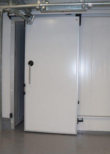 Холодильні двері відкатні з анодованим алюмінієвим профілем