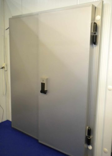 Холодильные двери двухстворчатые