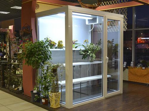 Холодильна камера для квітів з обладнанням
